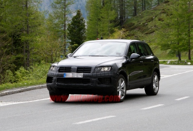 002-vw-touareg-facelift-spy-shots
